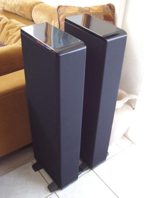 Superb Boston Acoustics VR965 / VR 965 Powered Speakers