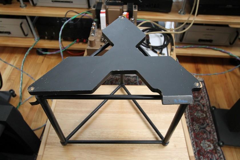 Roksan Xerxes Isolation Stand for Xerxes turntable