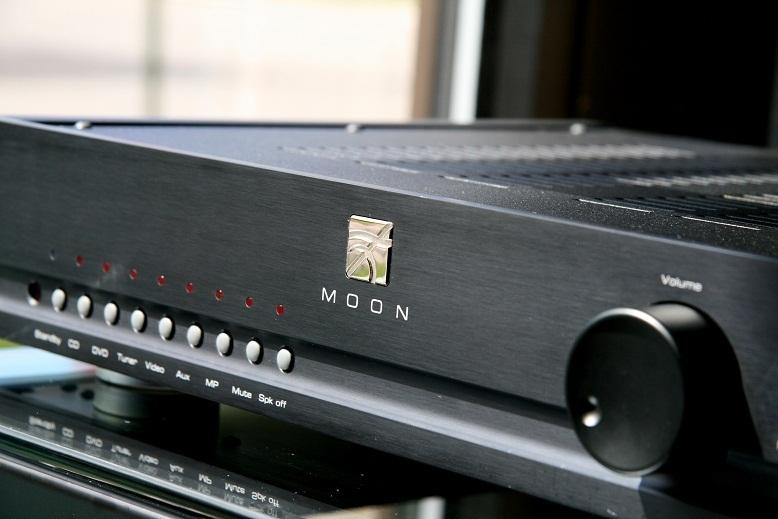 Simaudio Moon i1 Stereo Amplifier  Black