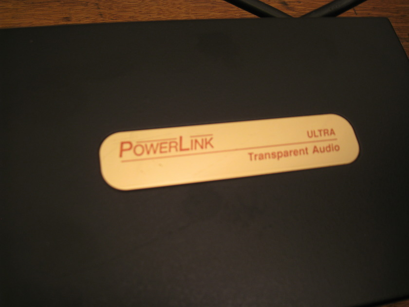 Transparent Audio Powerlink  Ultra  8 outlet power conditioner super clean.
