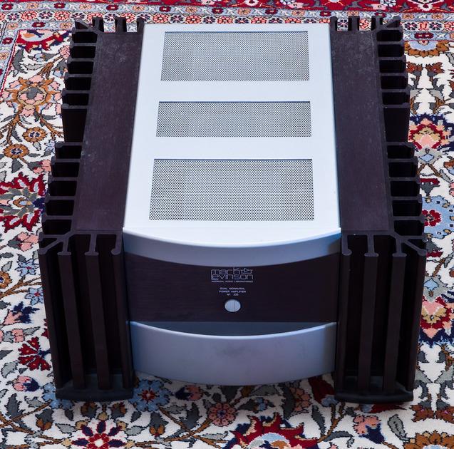 Mark Levinson No 335 Dual Mono power amplifier  250 W x 2