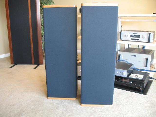 Vandersteen 1B's + 2W + WX-2 Speakers, Subwoofer, Crossover