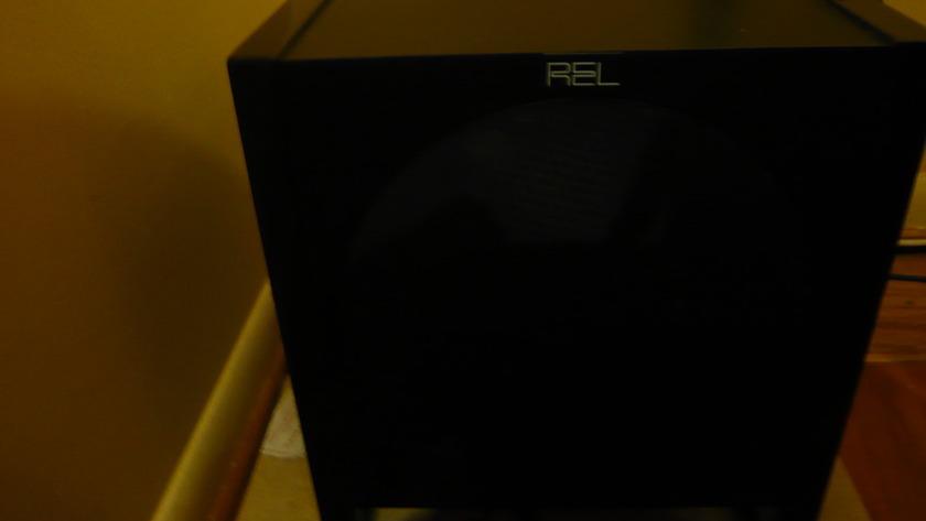 REL T2 Excellent, Light Use, Articulate bass