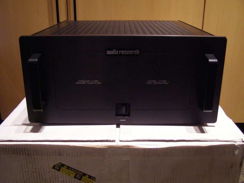 Audio Research VT-100 stereo amplifier black