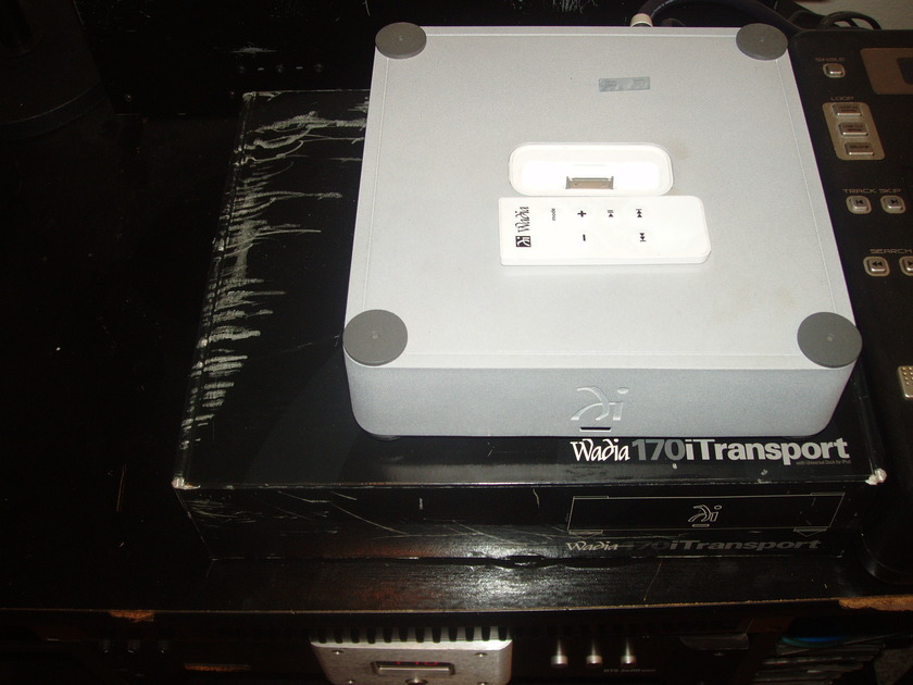 WADIA 170i TRANSPORT IPOD DOCK