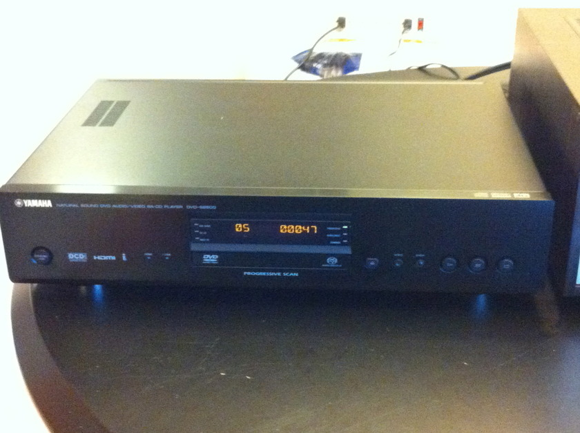 Yamaha DVD-S2500 DVD/CD/SACD Player