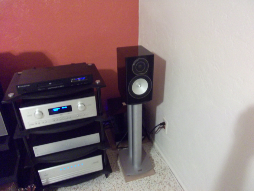 CARY AUDIO  CINEMA 7 CHANNEL AMP