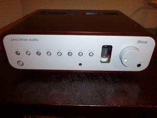 Peachtree Audio  iNova hybrid integrated amplifier in rosewood finish