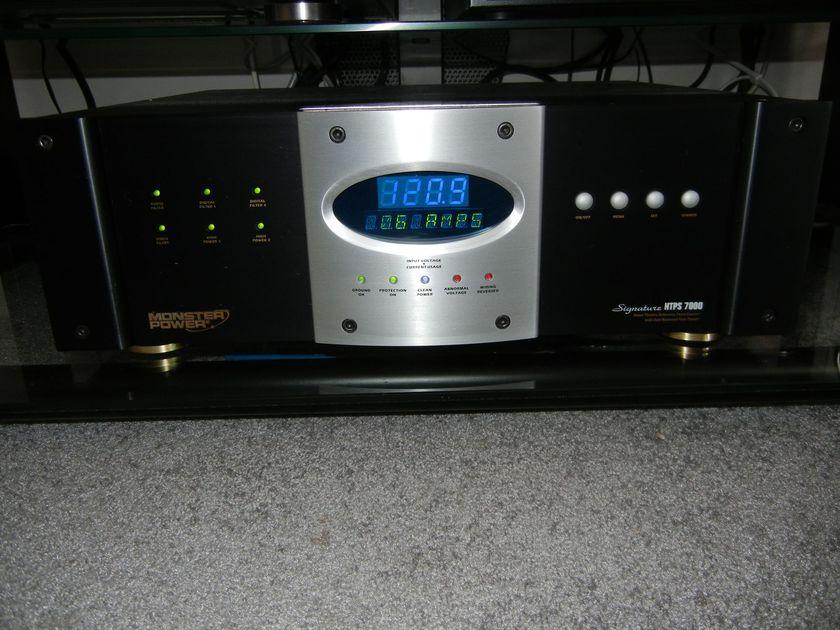 Monster Power Signature HTPS7000 Home Theater Power Center