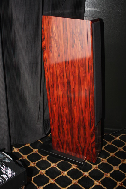 Vienna Acoustics Mahlers , Oratorio , Bachs , Waltzs in Rosewood finish