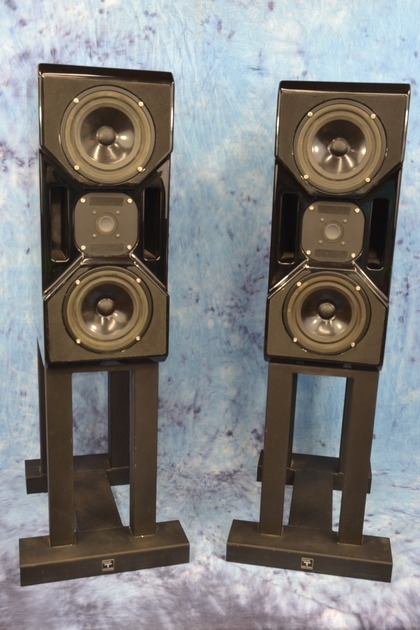 Wilson CUB  Monitors with Stands
