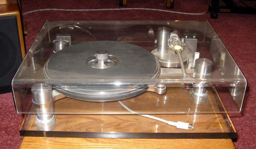 Oracle Premiere Turntable with Fimale tonearm separate power supply, and Quicksilver step up matching transformer