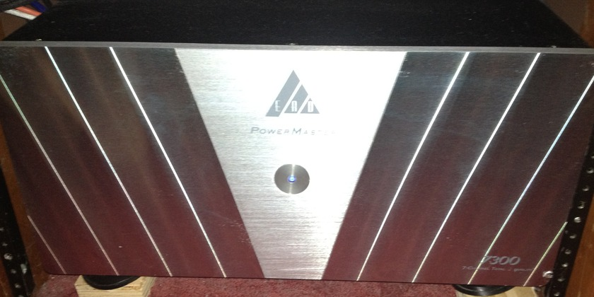 EAD PowerMaster 7300 Silver 7 x 300 watts Amazing amp one of the best ever