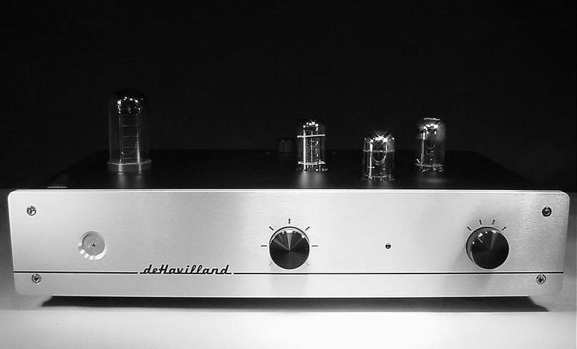 deHavilland Electric Amplfier Company UltraVerve 3  Single Ended Tube Rectified Preamplifier