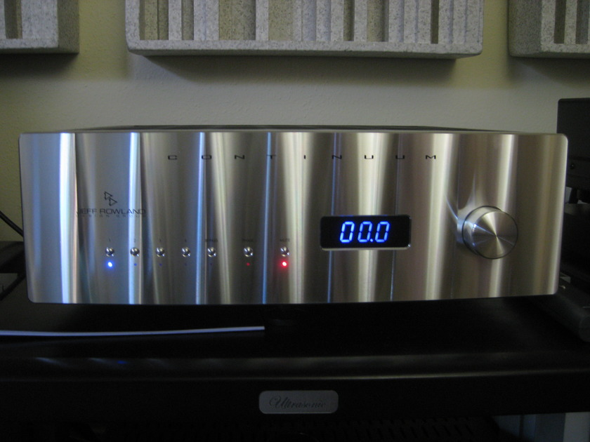 Jeff Rowland Continuum 500, + Phono, MINT 120v, will ship worldwide, only $5495 OBO