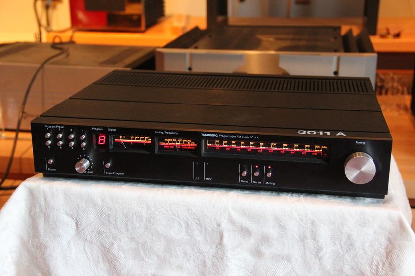 Tandberg 3011A  AM/FM tuner