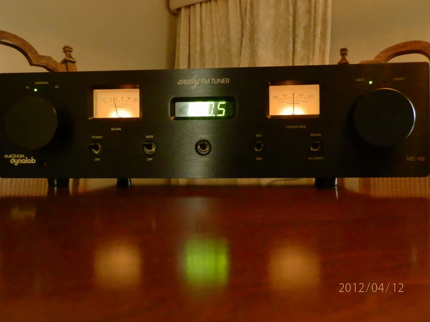Magnum Dynalab MD 102 and ST-2 in Absolute Mint Condition