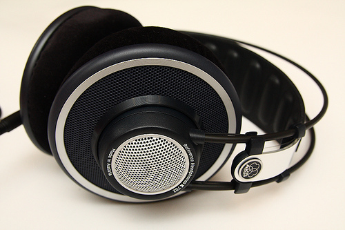 AKG  K702 Headphones free shipping
