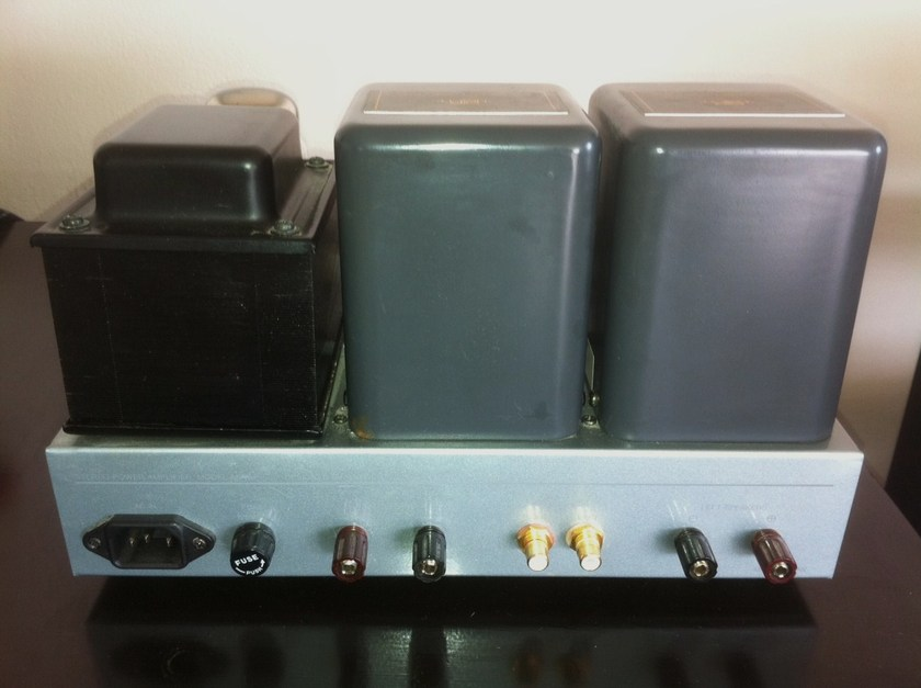 AirTight (Acoustic Masterpiece) M-101 SET Amplifier