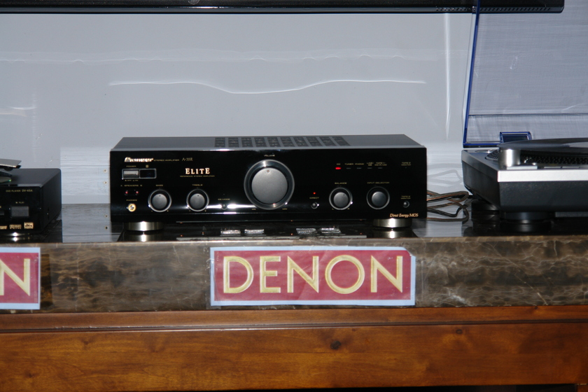 PIONEER ELITE  MODEL A-35R INTEGRATED AMP THE HIFI BUY OF THE CENTURY $200