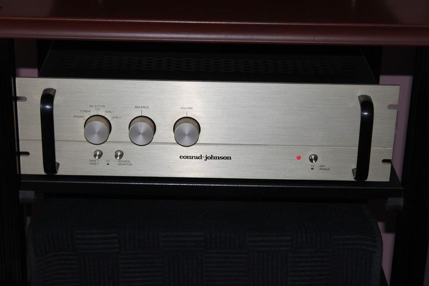 Conrad Johnson PV-9A preamp with phono