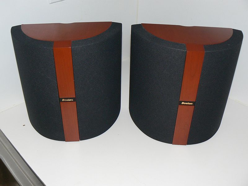 Boston Acoustics VRMX cherry pair mint with brackets