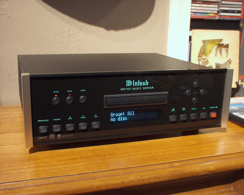 McIntosh MS-750  CD/Server ... Priced to sell