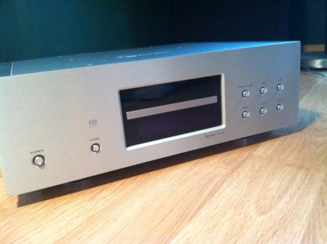 Esoteric X01-D2 CD, SACD Player