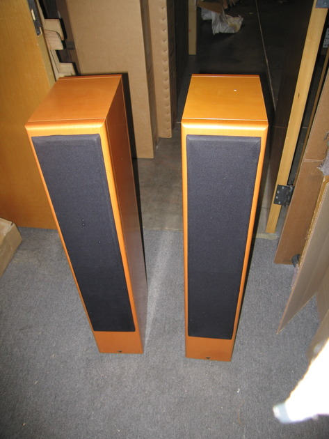Vienna Acoustics Mozart Classic Floorstanding Loudspeaker Pair