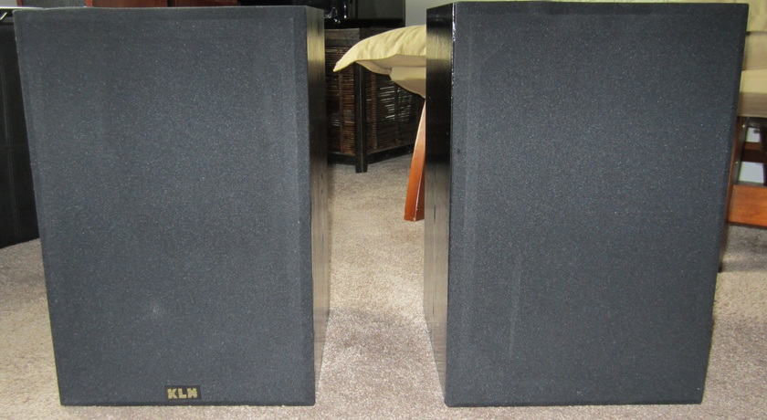 KLH 900B  1990's 3-WAY SPEAKERS