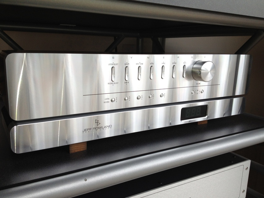 Rowland Synergy Series 2 Pre-amp/Model 10 Stereo amp separates