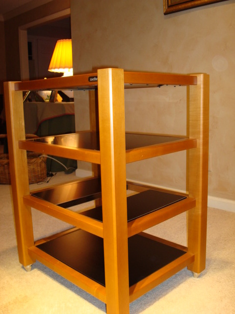 ZOETHECUS AUDIO MAPLE WOOD EQUIPMENT RACK AND AMPLIFIER STAND