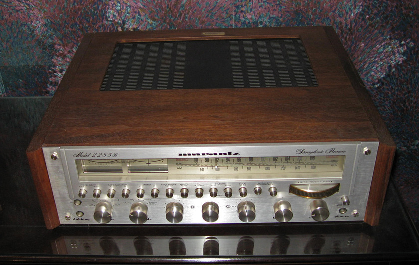 Marantz 2285B Receiver (Classic) With Original Wood Cabinet Chicago Pickup Is Possible