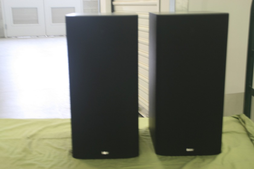 B&W DM 602 Black plus speaker stands