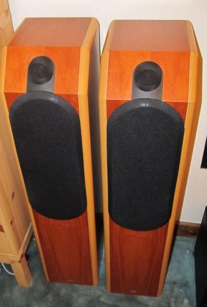 B&W Bowers & Wilkins CDM-7 SE speakers floorstanding Cherry