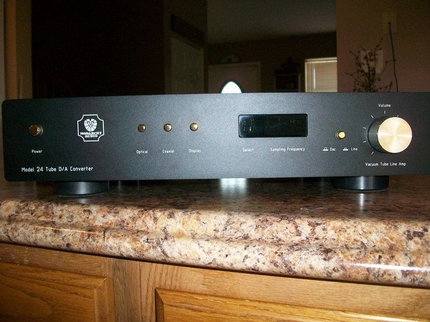 monarchy audio NM24 preamp/dac combo