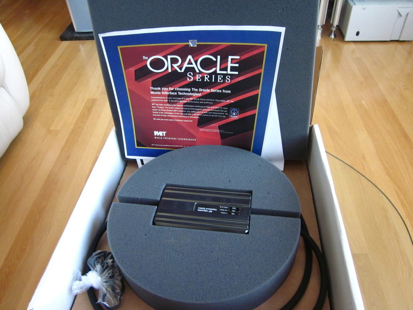 MIT  ORACLE V2.1 XLRs 1.5Meter Pairs Excellent Condition