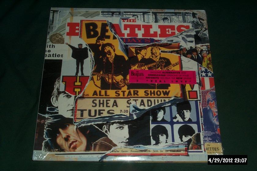 Beatles - Anthology Vol 2 3 lp set apple  sealed nm