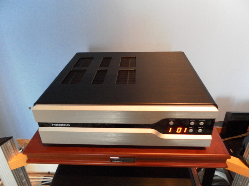 NEODIO NR 600 SIGNATURE Integrated amplifier