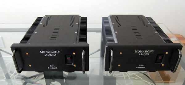 Monarchy Audio SM-70 Class-A Zero Feedback 70-watt Monoblocks