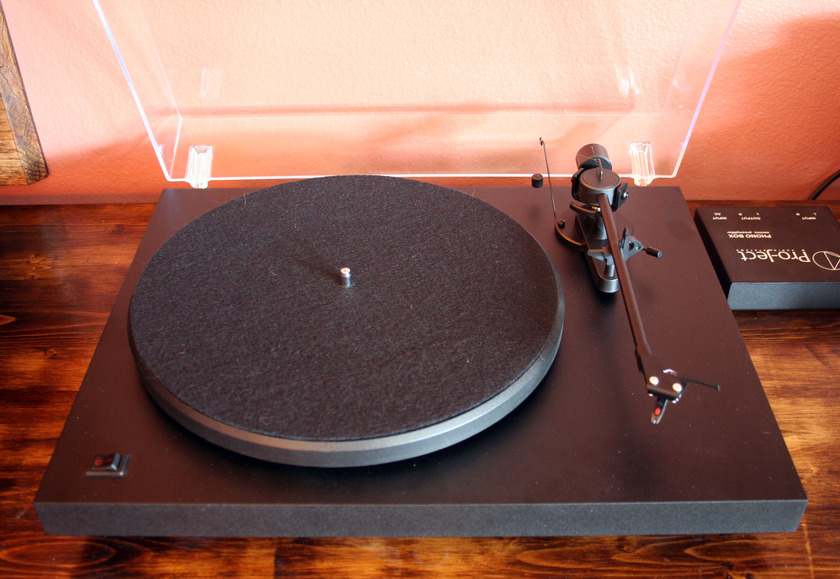 Pro-Ject Debut II & Phono Box, TT & Phono Pre Amp