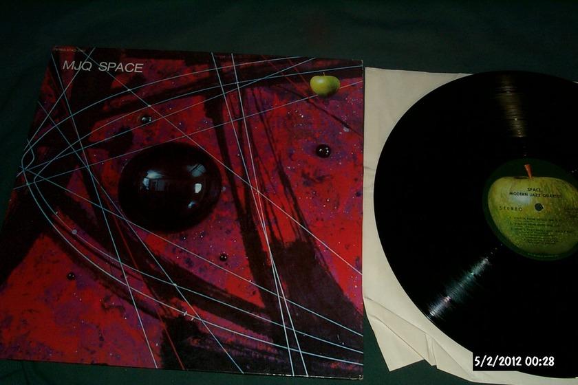 Modern jazz quartet - Space apple records lp
