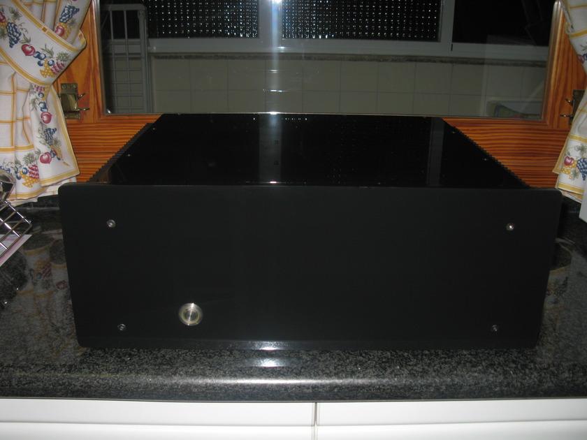 "SMc Audio  DNA 225 ""Platinum Plus Reference Design"" (230V)"