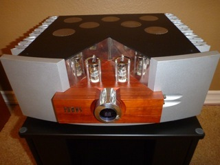 Pathos  LOGOS integrated hybrid amplifier