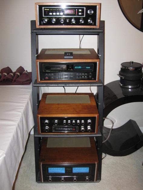 MCINTOSH COMPLETE SYSTEM MR80 TUNER, MCD7007 CD PLAYER , C34V PREAMP & MC7270 AMPLIFIER