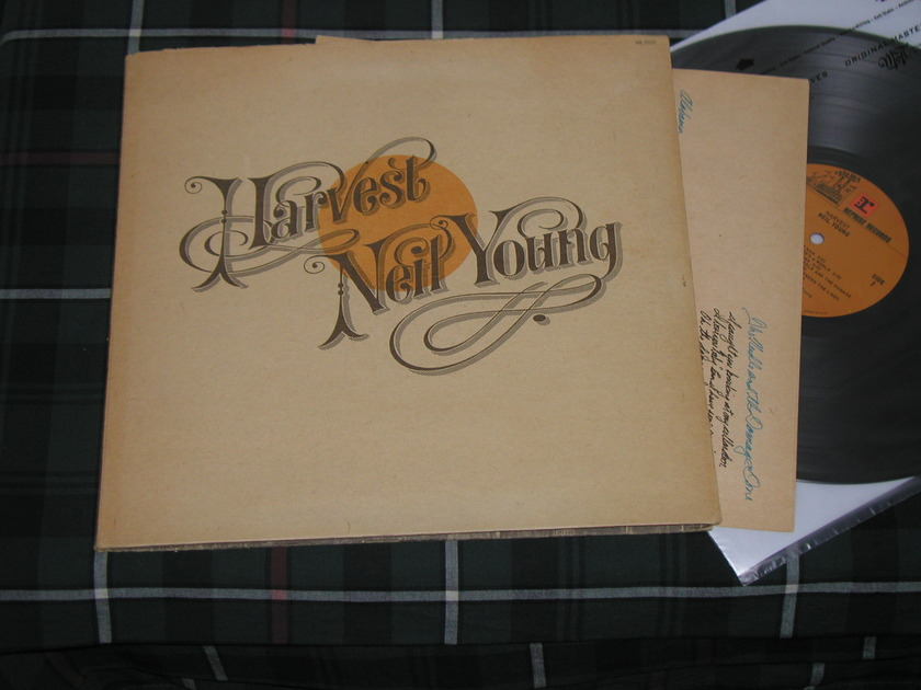 "Neil Young - Harvest (STERLING Orig) With ""soft paper"" cover."