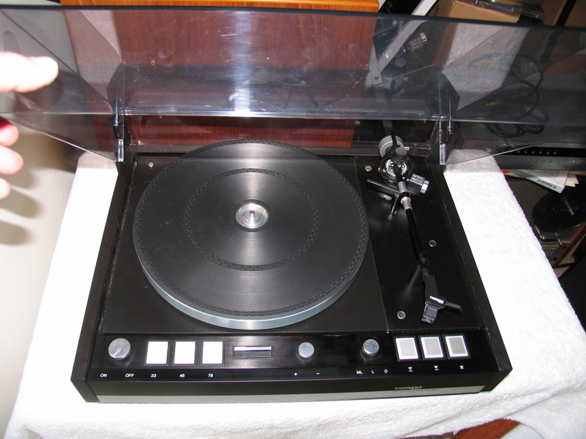 THORENS TD 126 MARK III SUPERB TABLE - RARELY SEEN