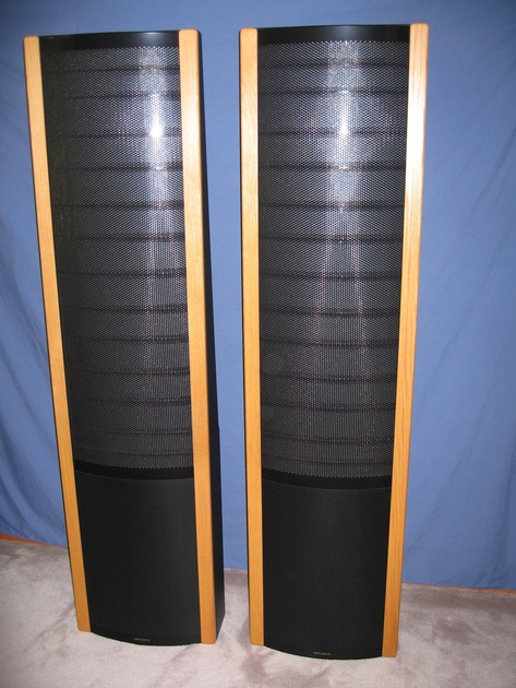 Martin Logan Request Speakers, Like new condition, Light Oak Rails