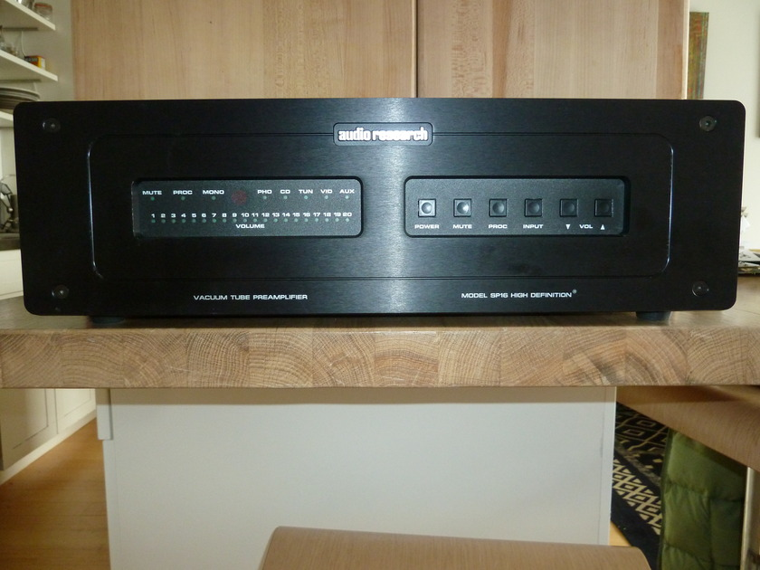 Audio Research SP-16 Tube Pre-Amp w/Phono Stage