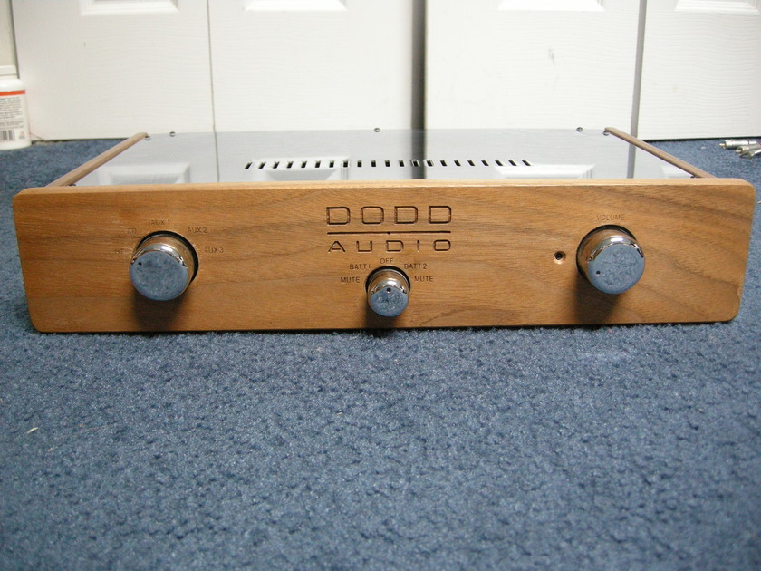 Dodd  Battery Preamp with new batteries and remote